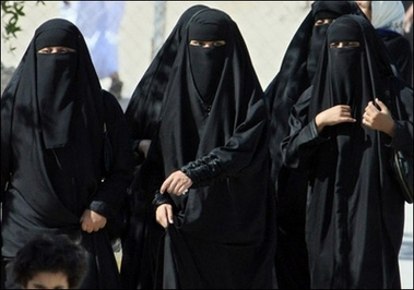 saudi_arabia_-_women_outraged.jpg